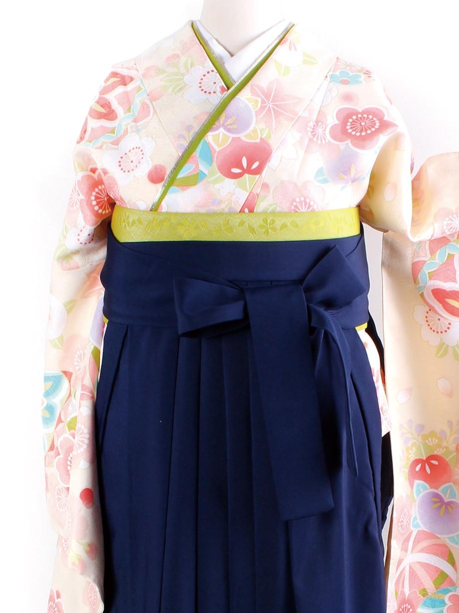 クリーム地に鞠と桜・紺袴(二尺袖)/卒業式