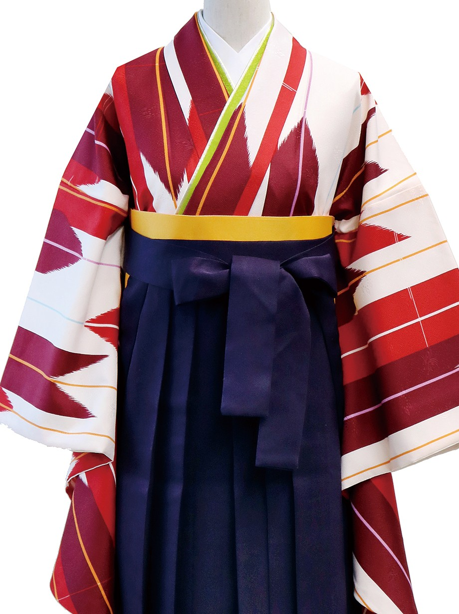 アイボリー地に赤の矢絣・紫袴(二尺袖)/卒業式