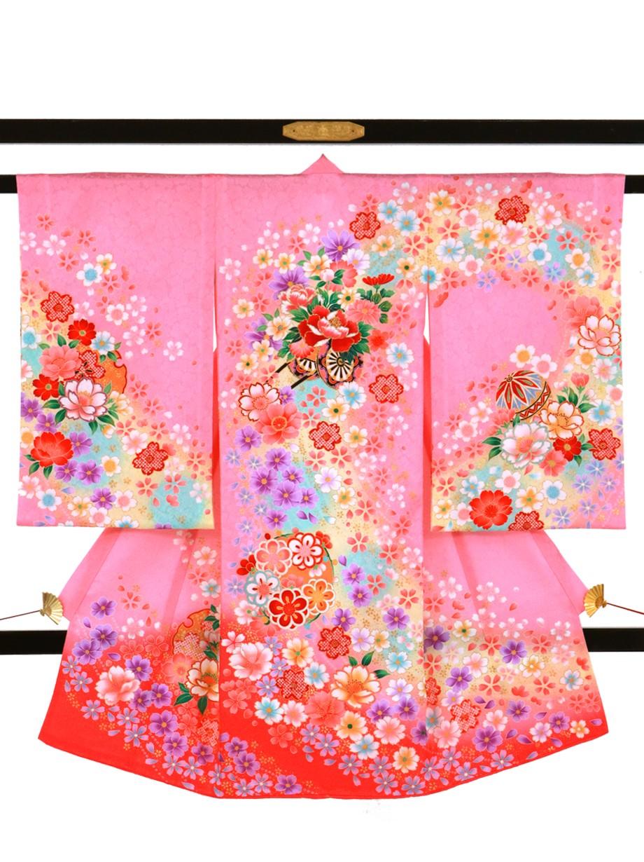 ピンク地に花車と鞠と雪輪の祝い着(産着)/女児