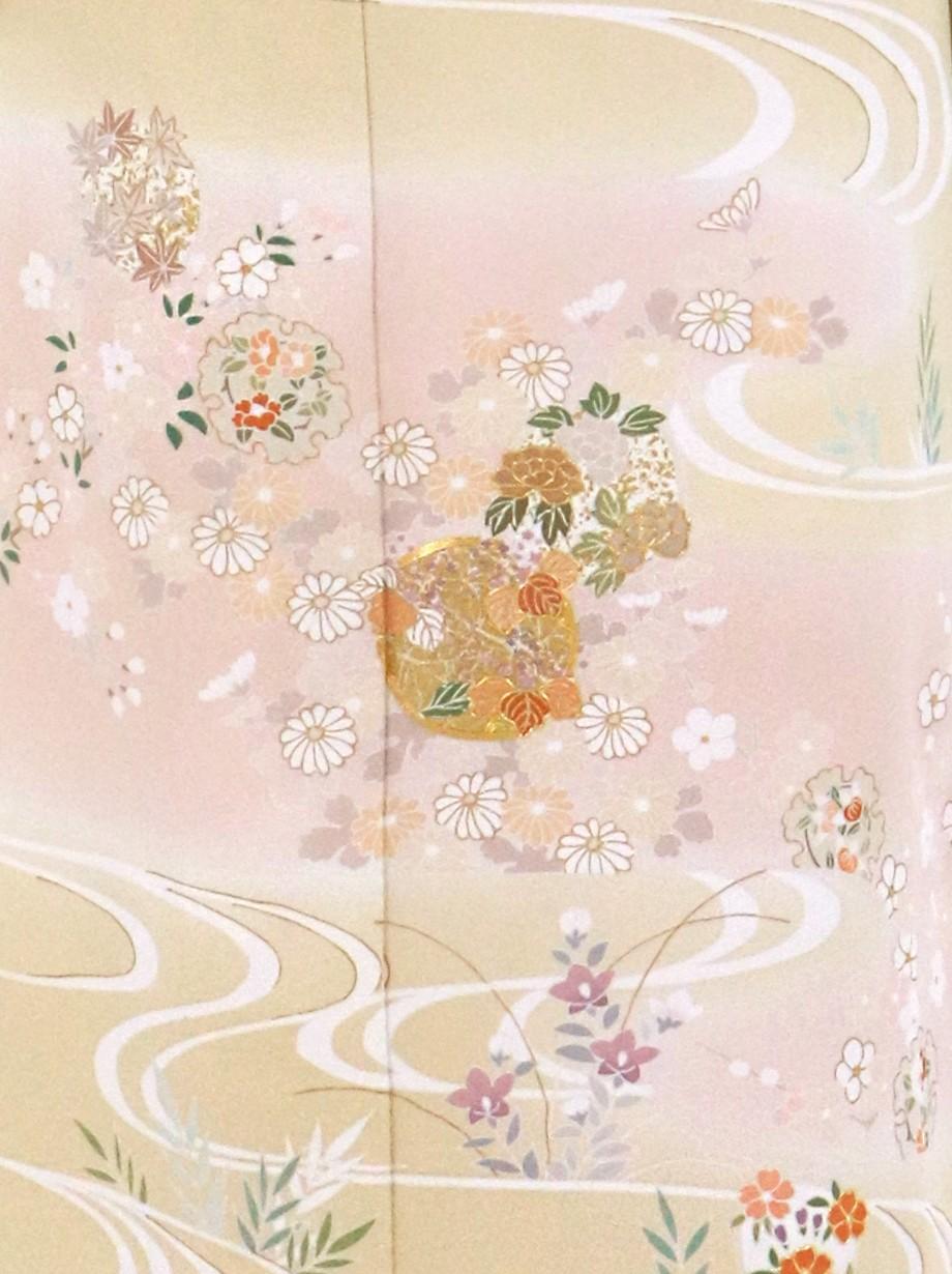 砥粉色(とのこいろ)に四季花と雪輪の訪問着(袷)