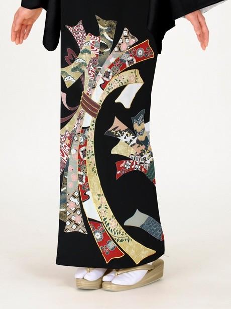 束ね熨斗に花紋の黒留袖