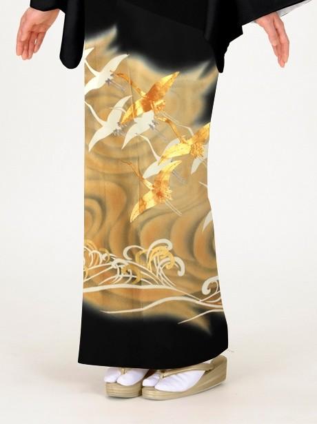 波に群鶴(ぐんかく)の黒留袖