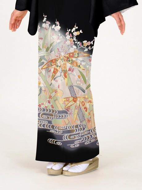 竹に梅と観世水(かんぜみず)の黒留袖