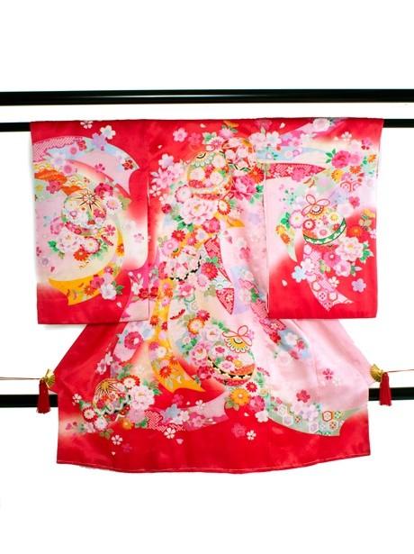 赤地に鈴と熨斗に牡丹の祝い着(産着)/女児