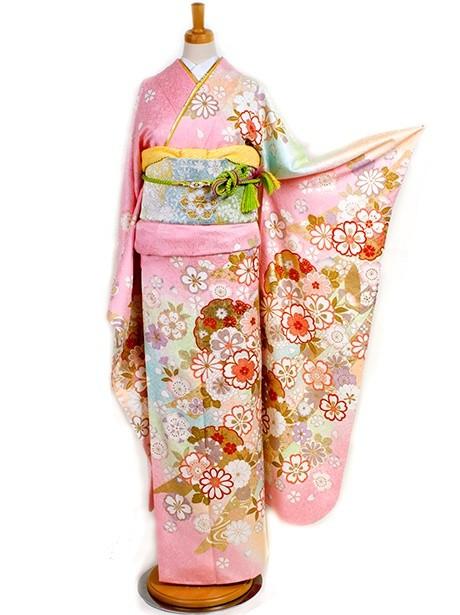 桃色に熨斗と桜に雪輪の振袖