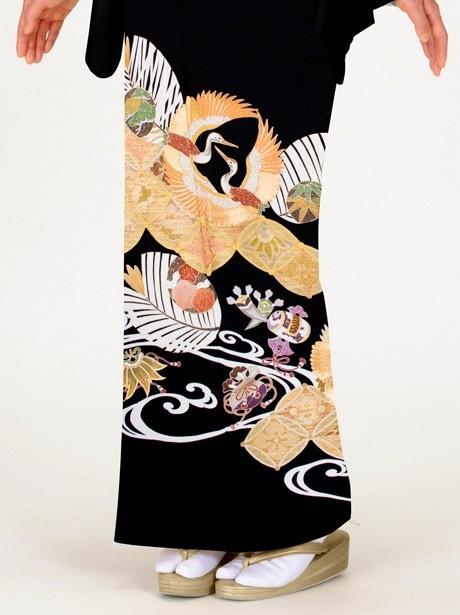 花菱に瑞鳥紋(ずいちょうもん)の黒留袖