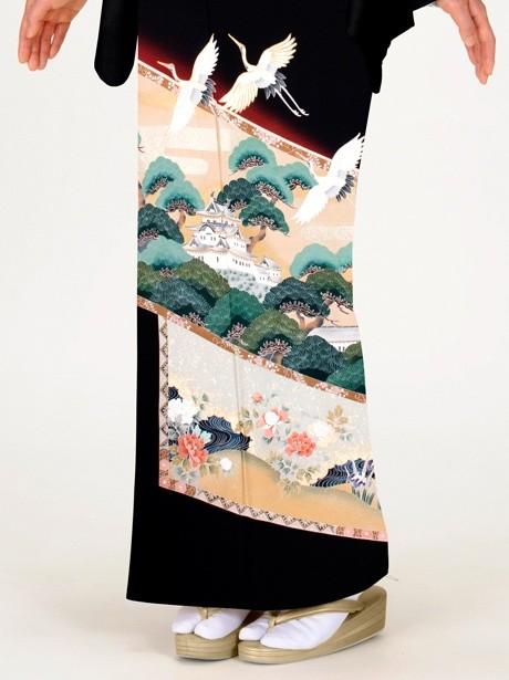 屏風絵に松と鶴の黒留袖
