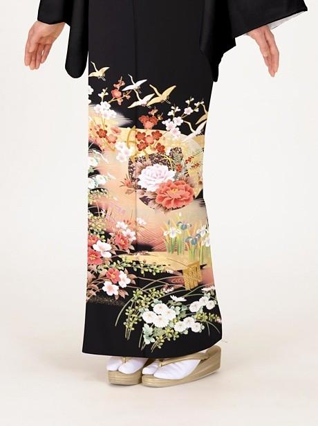 鶴と牡丹の黒留袖