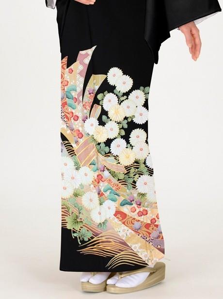 菊に束ね熨斗の黒留袖/オレンジ