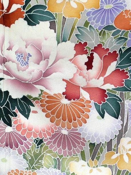 花車の黒留袖(梅・菊・牡丹)