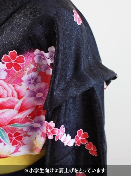 黒地に薔薇・赤色袴(小学生)/卒業式