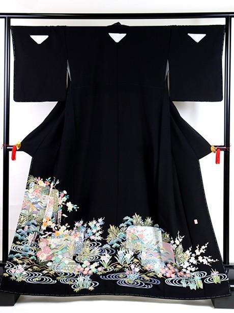 色紙(しきし)に茶屋辻と四季花の黒留袖