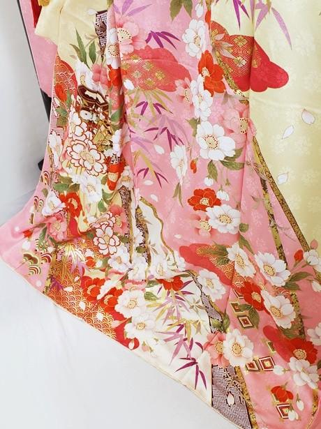 アイボリー地に枝垂れ桜の振袖/小さめサイズ