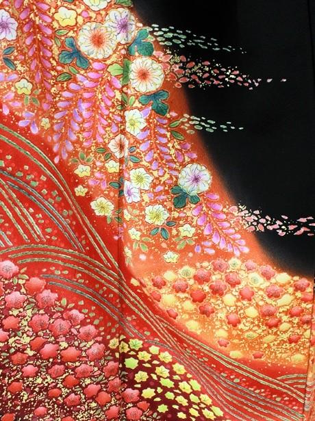 赤地に辻が花(つじがはな)風の黒留袖/小さめサイズ