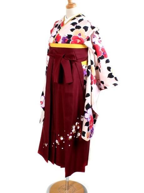 アイボリー地に椿・臙脂袴(小学生)/卒業式