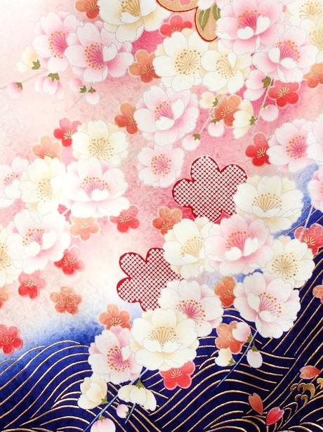 青地に流水と桜の振袖